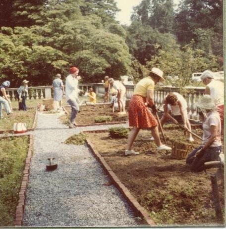 1975 SGC at work